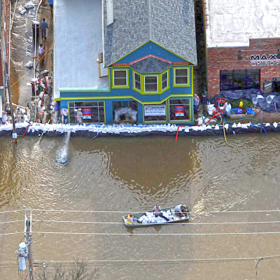 Image of Missouri river flooding